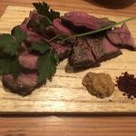 ワインの酒場。ディプント - アンガス牛のステーキ
