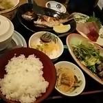 鮮味食彩 宇佐川水産 - 宇佐川定食
