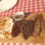 グラン・ミカエラ・イ・ダゴ - 肉とソーセージのプレート