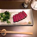 髭戎 - 短角牛のステーキ