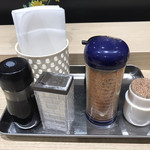 大津サービスエリア 上り線 フードコート - テーブル薬味