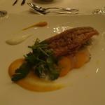 アマンダンライズ - お魚料理   甘鯛のウロコ焼き フロマージュブランと柚子のアクセント