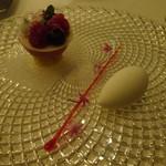アマンダンライズ - デザート jardin rouge クリスマスに咲く花々