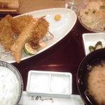 9944301 - かき秋鮭ヒレかつ定食 1680円