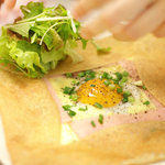 ファボリプリュ - ハム・たまご&チーズのガレット