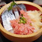 タカマル鮮魚店 - 〆サバ&ネギトロ丼 アップ