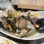 泡のお酒と貝料理のお店 泡貝 -