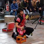 讃岐麺処 か川 - お店を出てすぐのところで、大道芸のパフォーマーさんが 楽しませてくれました。