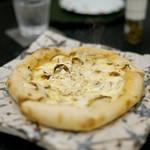 瞬 - 松茸のピザ