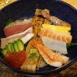 9945514 - 海鮮丼