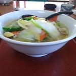 台湾料理 四季紅 - 横顔