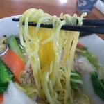 台湾料理 四季紅 - 縮れ細麺