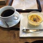 夏油古民家カフェ小昼 - コーヒーは、ハンドドリップ。追加オーダーのクリームブリュレが絶品。コーヒーとブリュレはマスター担当。