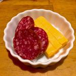 立呑 えびすけ - チーズ&サラミ