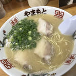 ラーメンやまもと - 料理写真: