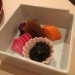 石塀小路 朝粥と出し茶漬け KOI-KOI - 香の物