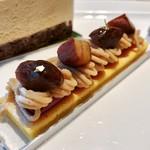 ロビーラウンジ - モンブラン@しっとりとしたバター風味のパンドジェーヌにモンブランクリーム