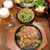 ビッグキッド - 料理写真:ちょい呑みセット¥1000… 単品は、すじコンオムレツと焼きそばハーフの豚肉、 逸品は、枝豆とポテサラ