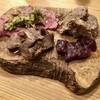 肉と野菜とナチュラルワイン さとう - 料理写真:牛肉のカルパッチョ盛合せ:燻製レバー、肩ロース、コンビーフ、もも肉の湯引き サルサベルデ