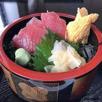 都 - 料理写真:ランチ 鉄火丼