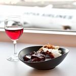 サクララウンジ - 料理写真:カレー&赤ワイン