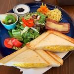 リロ カフェ - 料理写真:LILOセットのホットサンド