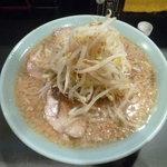ラーメン - 10/2011豚入ラーメン700円