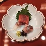 日本料理 みやま - 鮪、勘八、鯛のお刺身。