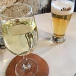 鞆の浦 a cafe - ワインとビールでカンパイ