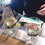 立ち呑みばっかす - 白ワイン・泡