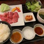 焼肉 蔵元 - 料理写真:和牛カルビランチ1,080円