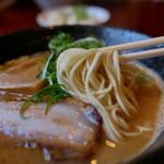 らーめんダイニング 庵 - 細麺
