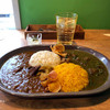 カレープラント - 料理写真:あいがけ(京鴨カレー&鶏の春菊カレー)
