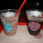 9949830 - アイスコーヒーと何か