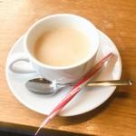 カノコカフェ - ロイヤルミルクティ