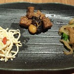 Chuugokuyakuzenryourishinfuu - 前菜の三種盛り合わせ