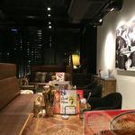 肉が旨いカフェ NICK STOCK - 二階店内