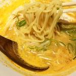 水炊き・焼き鳥 とりいちず - 旨辛パイタン麺