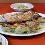 中華居酒屋 上海ママ料理 - 上海ママ特製焼餃子 2人前