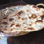 アジアン食堂サキーナ - ロティのアップ