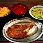さぬき名物 骨付鳥 田中屋 - 骨付鶏セット(若鶏)(¥1,240)