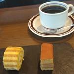 99506428 - デザートとコーヒー