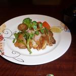 赤坂 津つ井 -  博多地鶏を使用した特撰チキンソテーです。ぼくの要望でドミグラスソースをかけていません。