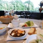 THE HIRAMATSU HOTELS&RESORTS - 朝食会場の窓の眺め