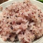 ミツバチ食堂 - 定食のご飯は雑穀米!
