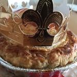 GRANNY SMITH APPLE PIE & COFFEE - 王冠をのせて