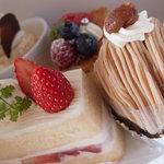 創作菓子 ロッシェ - ケーキ