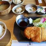 釜炊近江米 銀俵 - チキンカツ定食