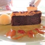 プリムローズ - ラムショコラケーキ