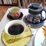 カフェ クラシカル - コーヒーがおかわりできるのが嬉しい